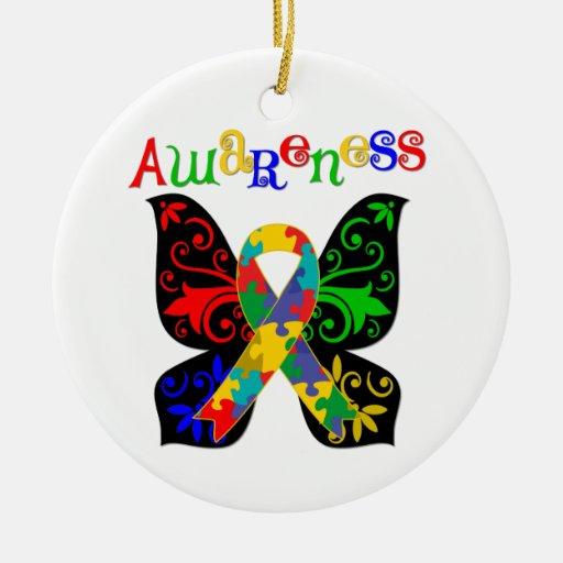 Conciencia colorida del autismo de la mariposa adorno de reyes