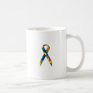Conciencia del autismo de la cinta taza de café