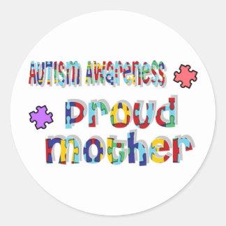 Conciencia del autismo - madre orgullosa pegatina redonda