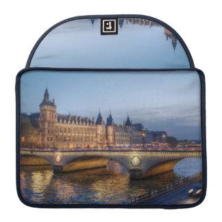 Conciergerie MacBook Pro Sleeve