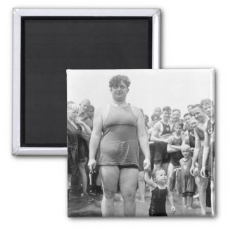 Concurso de belleza en el lavabo de marea, 1919 imán cuadrado