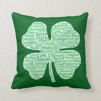 Condados del trébol de Irlanda Cojín Decorativo