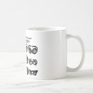 Conducción del texto de las gafas del motor taza de café