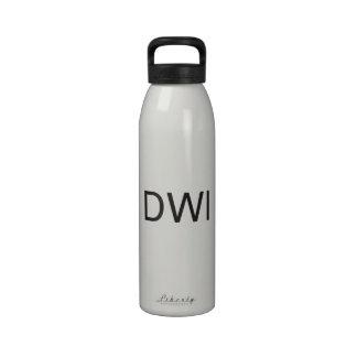 conducción mientras que intoxicated ai botellas de agua reutilizables