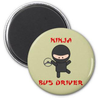 conductor del autobús del ninja con la rueda imán redondo 5 cm