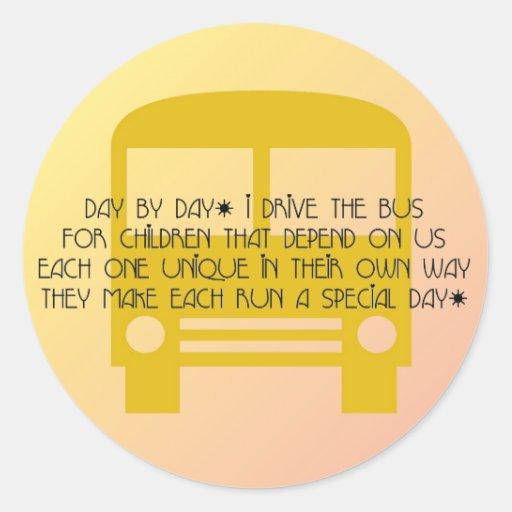 Conductor del autobús - día del pegatina del poema