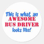 Conductor del autobús impresionante etiqueta redonda