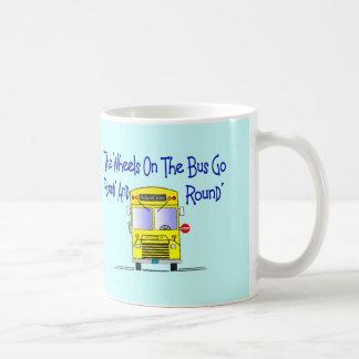 """Conductor del autobús """"las ruedas en el autobús """" taza"""