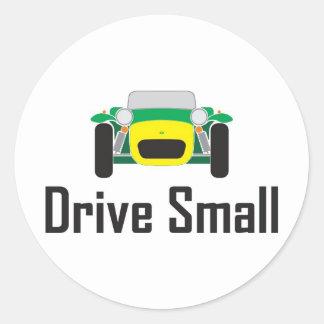 conduzca pequeños 7 estupendos etiquetas redondas