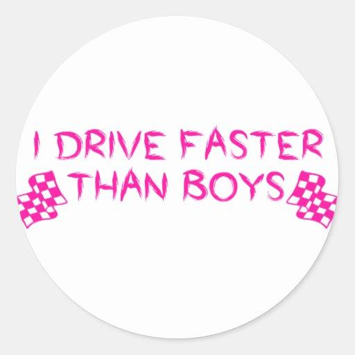 Conduzco más rápidamente que muchachos pegatina redonda