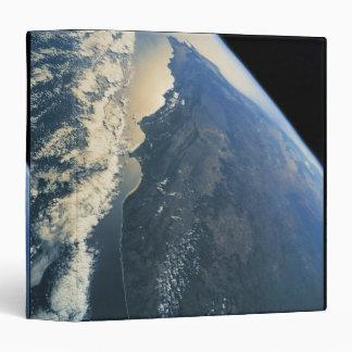 Conecte a tierra del espacio 11