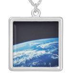 Conecte a tierra del espacio 17 colgante cuadrado