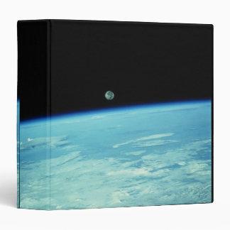 Conecte a tierra del espacio 18