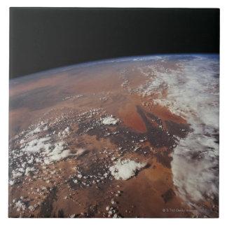 Conecte a tierra del espacio 4 azulejos cerámicos