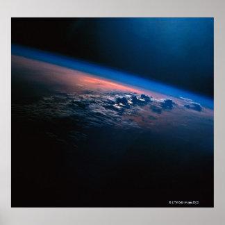 Conecte a tierra del espacio exterior 2 póster