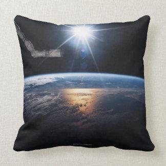 Conecte a tierra del transbordador espacial 2 cojín decorativo