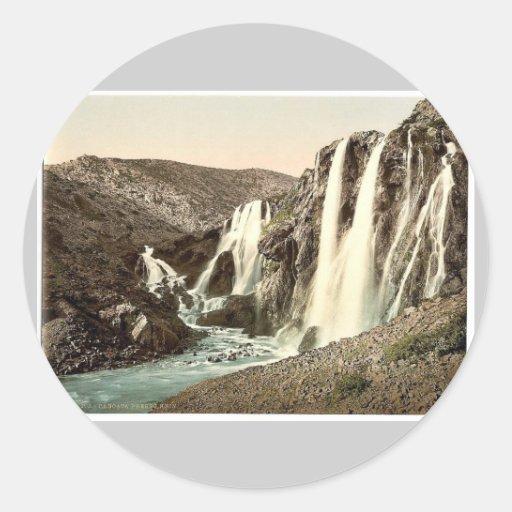 Conecte en cascada, cerca de Knin, Dalmacia, Austr Etiquetas