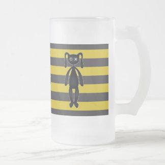 Conejito amarillo y negro del gótico taza de cristal