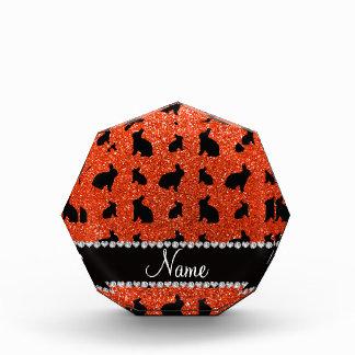 Conejito anaranjado de neón conocido personalizado