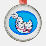 conejito blanco del bebé en el huevo oval.png azul ornamentos de navidad