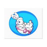 conejito blanco del bebé en el huevo oval.png azul impresion de lienzo