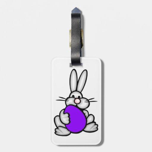 Conejito con el huevo púrpura violeta etiquetas bolsa