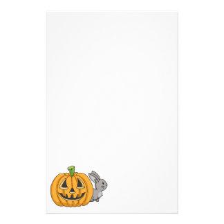 Conejito con la linterna de Jack O Personalized Stationery