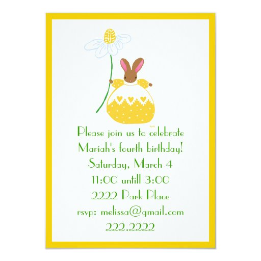 Conejito de Fifi en la invitación amarilla