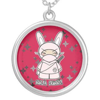 ¡Conejito de Ninja! Collar multi de Shuriken Ninja