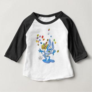 Conejito de pascua azul playera de bebé