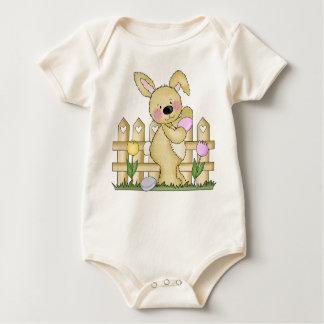 Conejito de pascua borroso lindo trajes de bebé