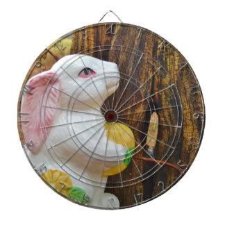 Conejito de pascua del país tablero de dardos