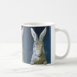 Conejito de pascua del vintage conejo blanco pelu taza