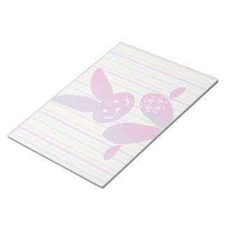 Conejito de pascua divertido en rayas bloc de notas