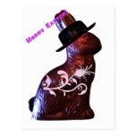 Conejito de pascua en gorra tarjeta postal