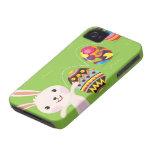 Conejito de pascua juguetón con los huevos iPhone 4 cárcasas