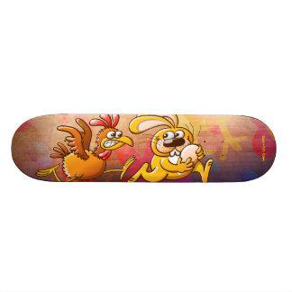 Conejito de pascua que roba un huevo de una gallin skateboards