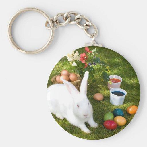 Conejito de pascua y huevos coloreados llaveros personalizados