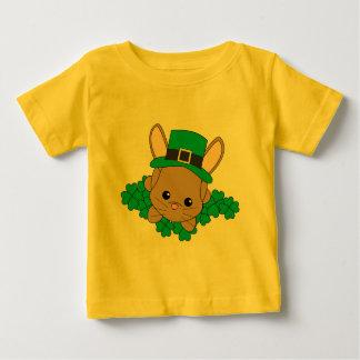 Conejito del día de St Patrick T-shirt
