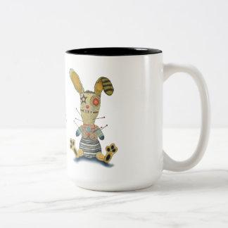 Conejito del vudú taza de café de dos colores