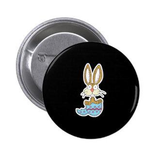 conejito divertido en el huevo de Pascua Pin Redondo 5 Cm