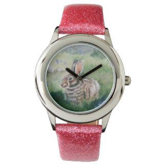Conejito en el prado reloj de mano