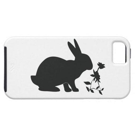 Conejito en silueta iPhone 5 carcasas