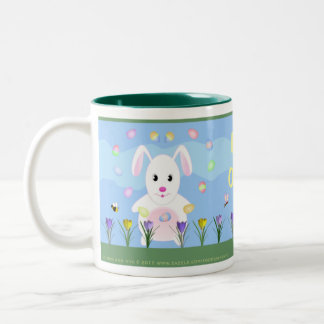 Conejito feliz del jardín de la primavera de taza de dos tonos
