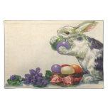 Conejito, huevos y flores de pascua del Victorian  Manteles Individuales