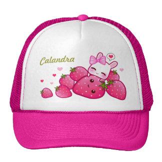 Conejito lindo con las fresas del kawaii - persona gorra