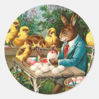 Conejito que pinta los huevos de Pascua Etiqueta Redonda