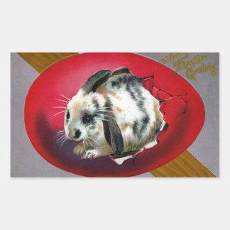 Conejito que trama del huevo gigante rectangular pegatinas