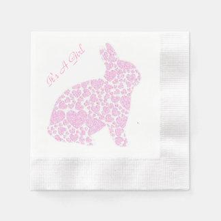 Conejito rosado es un chica servilleta de papel
