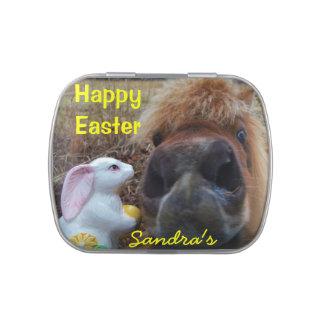 Conejito y caballo de pascua: personalice latas de caramelos